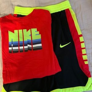 Worn Once!! Boys Nike Size Large Set